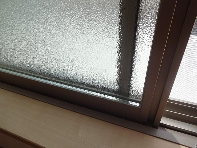 窓も交換しています。ペアガラスで断熱、防音もしっかり。