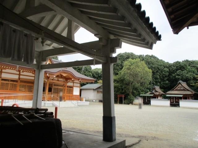 聖神社の境内です