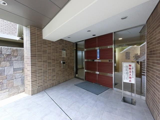 低層階(3階)ですから、一人エレベーターに乗らなくても階段でOK。安心ですね。