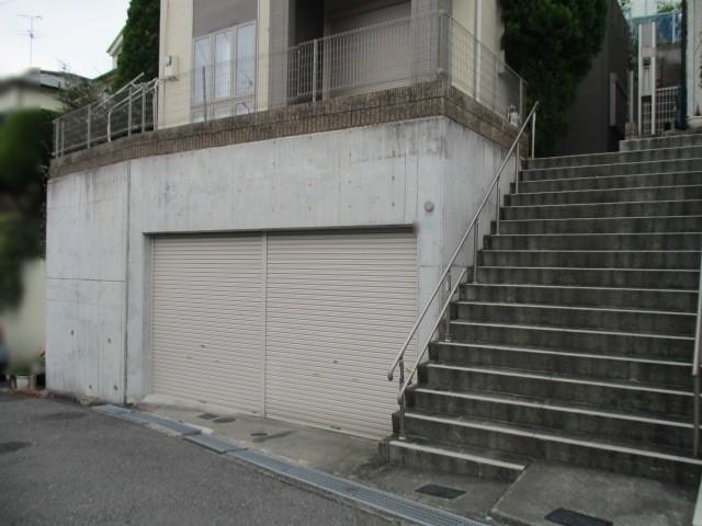 土地41.6坪(車庫面積含)です。車庫高さ2.5m。