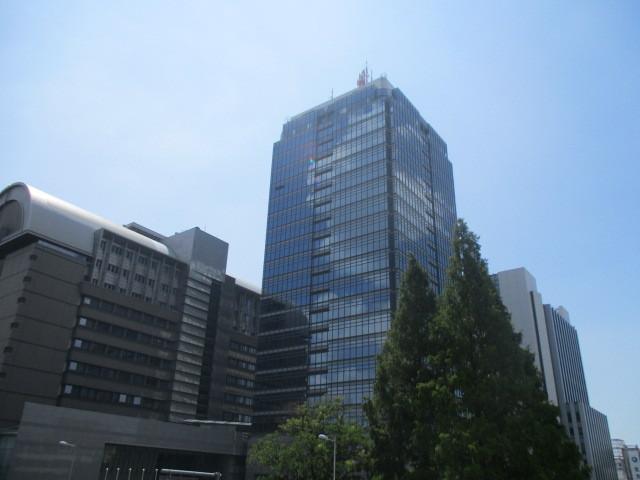 堺東駅前には堺市役所や税務署がありますよ