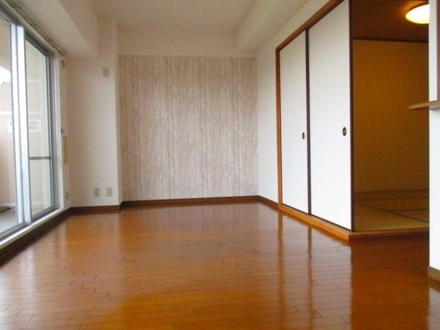 リビング 隣は和室です