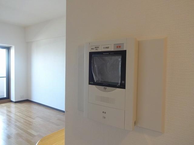 テレビインターホン完備 エントランスと玄関に対応。