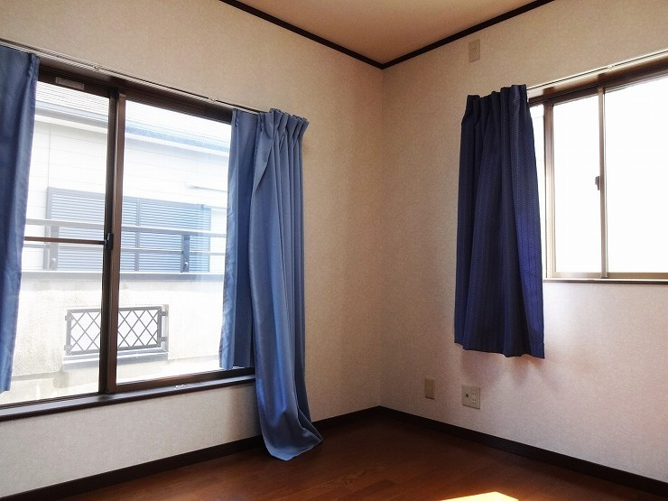 各部屋とても明るく通風良好です