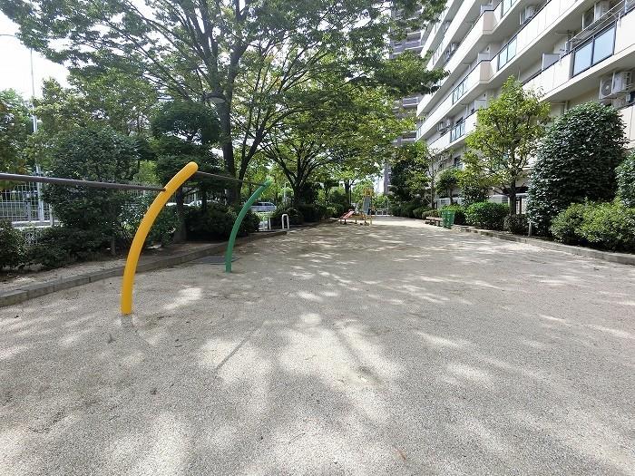 安心して遊べる敷地内公園綺麗に手入れされています
