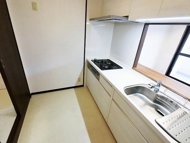 キッチンは1年前に交換 大容量スライド収納タイプ