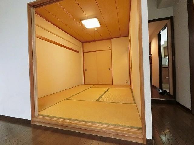 和室は出入り口2か所で客間としても