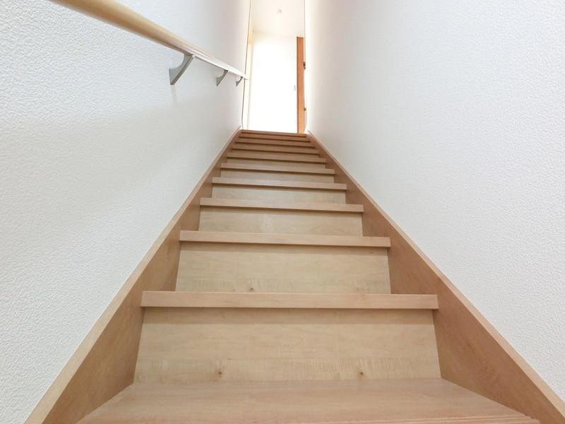 階段も緩やかになるよう、架け替えました。現地で体感して下さいね。