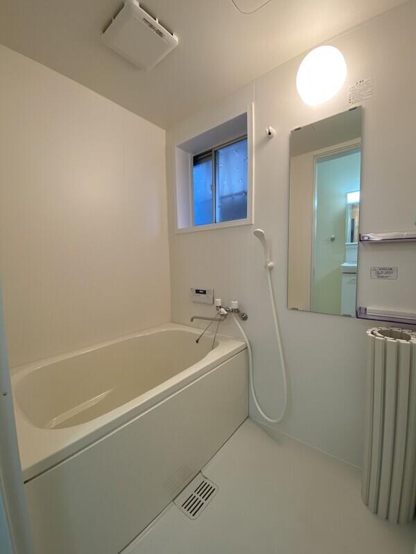 浴室も新調です。