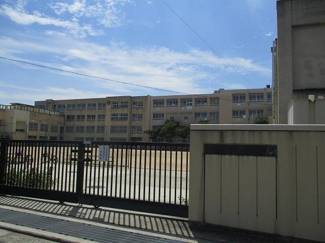 榎小学校まで603m。お子様の通学にも安心の距離ですね。