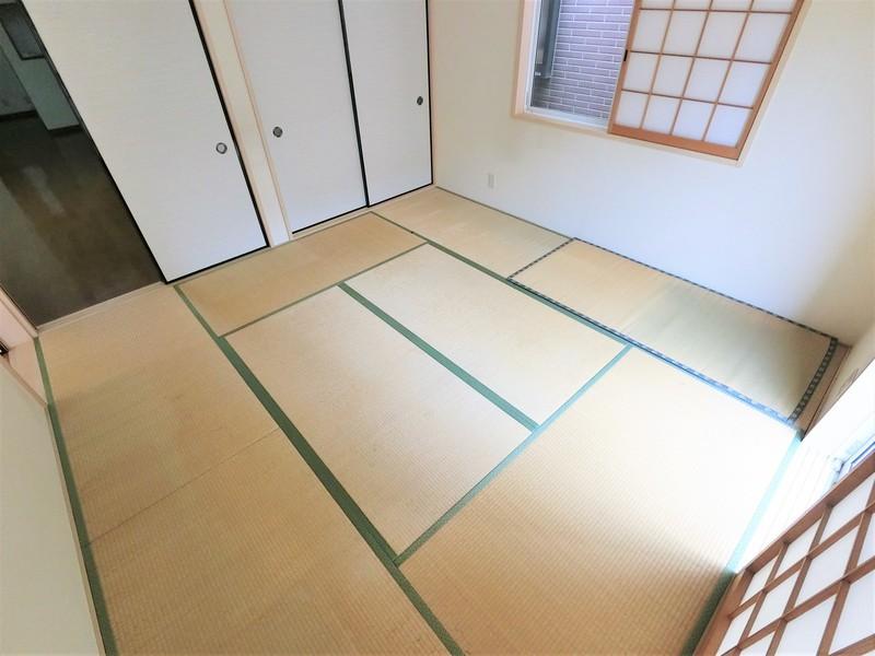 8帖の和室はやはり空間が広いですね。是非現地にてご確認下さいね。