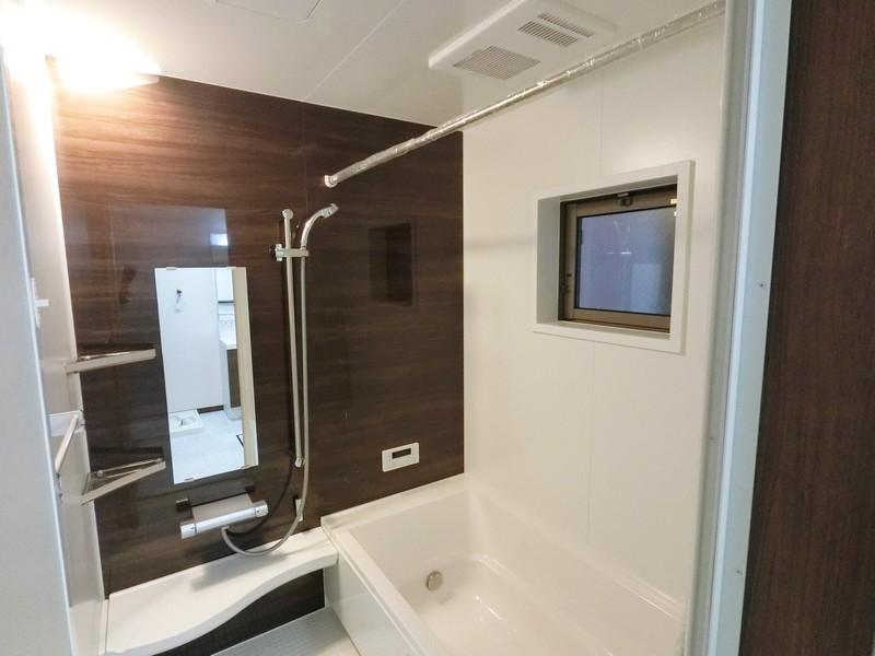 浴室も室内と統一されたカラーリングでまとめられています。