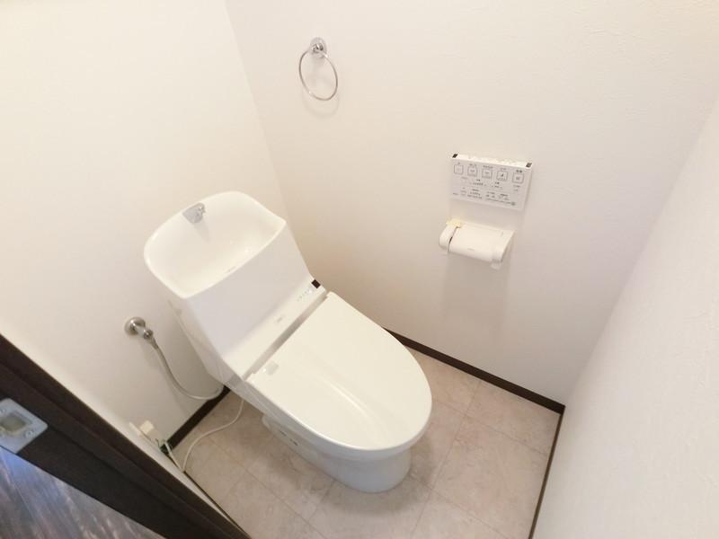 トイレ入替えました
