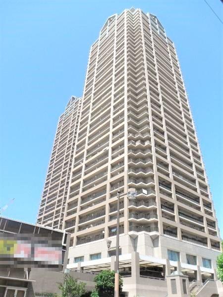 堺市駅に直結のタワーマンション。敷地内には商業施設や医療施設がございますので、大変便利な環境です。是非現地をご覧下さい。