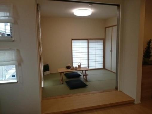 当社施工例・琉球風畳の和室
