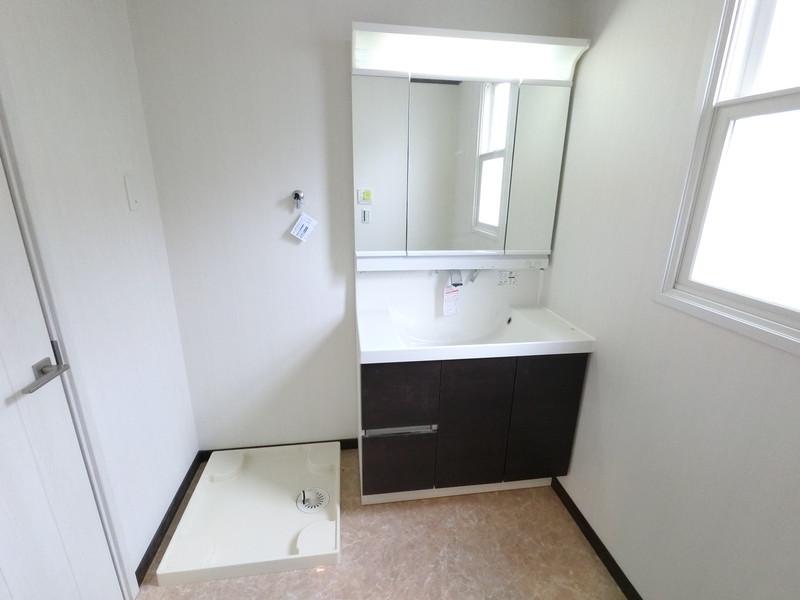 2階洗面所には、洗濯スペースがあります