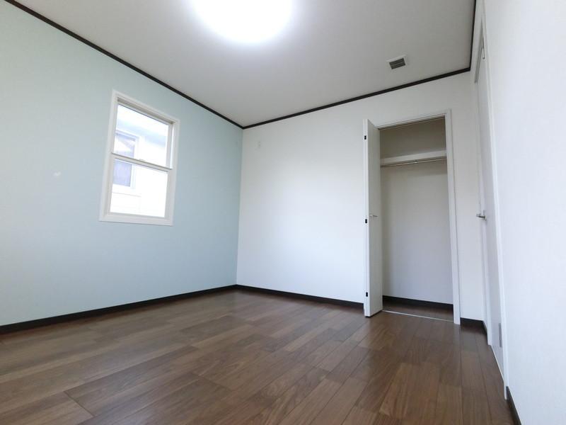 各部屋に収納付いてます。子供部屋も広いですよ