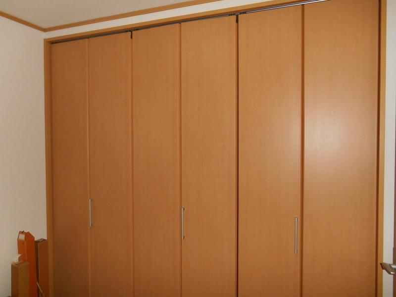 2階の各洋室にはクローゼット2か所ずつ設置されており十分な容量が確保されています