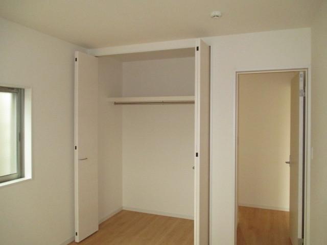 2階 洋室収納スペース