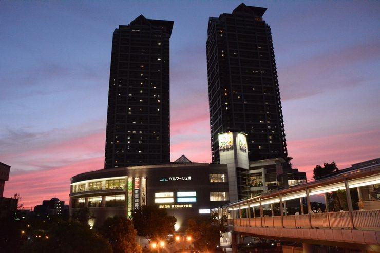 ベルマージュ堺まで720m JR西日本阪和線堺市駅西側に位置する複合施設です。イズミヤ、大阪信用金庫、スポーツクラブ、タワーマンション、図書館、商業施設やその他の専門店などがあります。