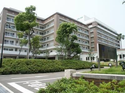 浅香山病院まで徒歩3分。総合病院が近いと何かと安心ですね。
