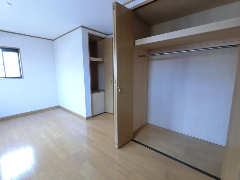 収納豊富な子供部屋