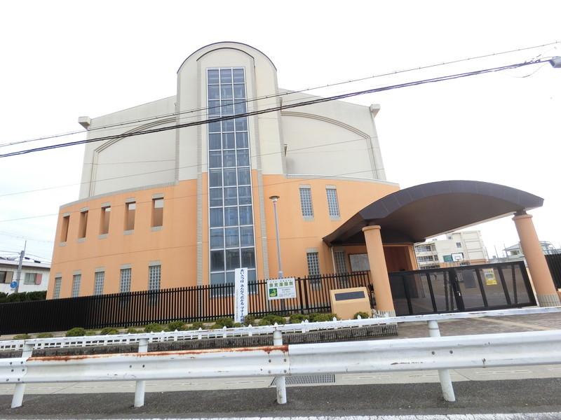 堺市立「久世小学校」まで1373m
