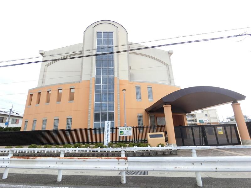 堺市立「久世小学校」までは徒歩15分ですので、ちょっと遠いかな?