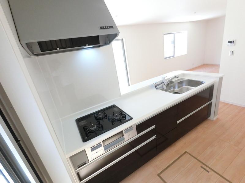 作業台の広く使いやすいキッチン
