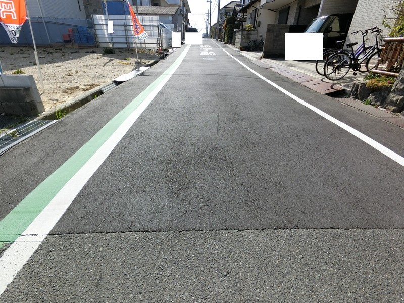 現地前面道路写真