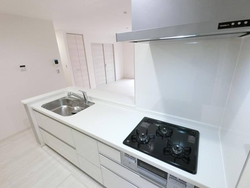 収納力豊富な引き出し式キッチン