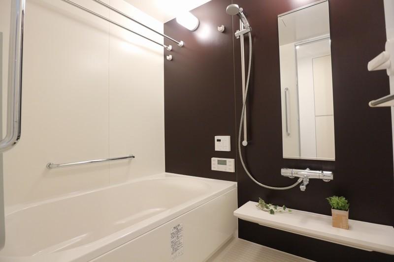 嬉しい浴室暖房乾燥機付き、冬でも安心ですね