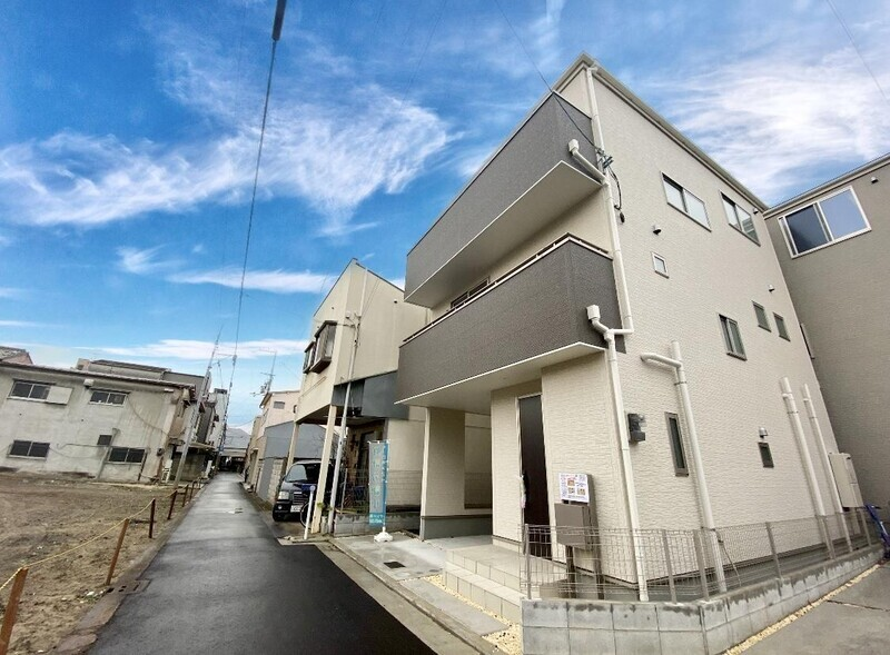 ファミリーマート堺七道東町店まで徒歩5分