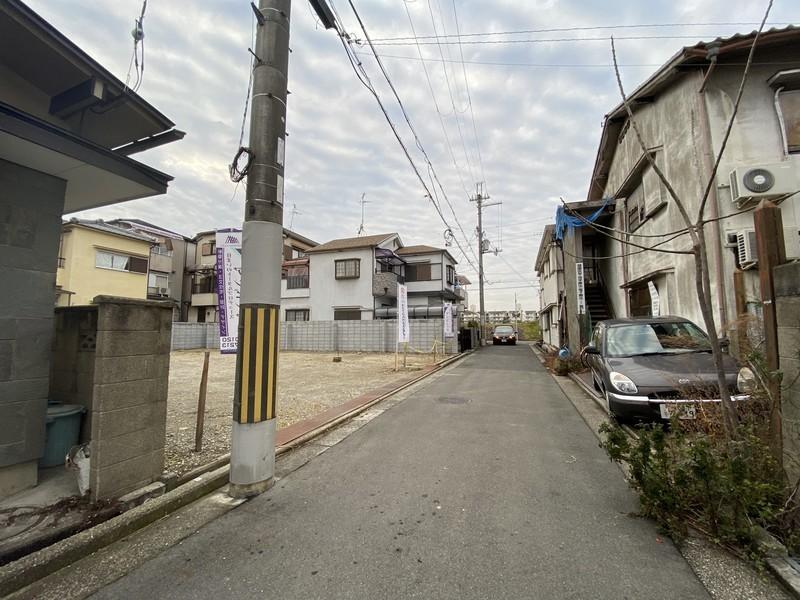 地下鉄御堂筋線「北花田」駅より徒歩15分。