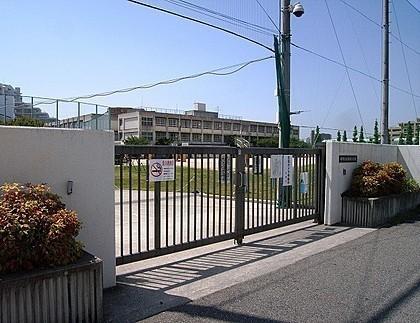 堺市立金岡南小学校 徒歩6分