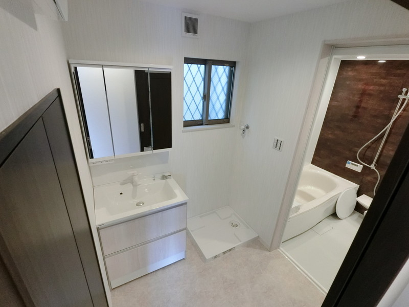 快適なシャワー付洗面台