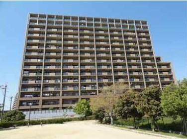 15階建の8階部分。泉北高速鉄道「光明池」駅まで徒歩15分。