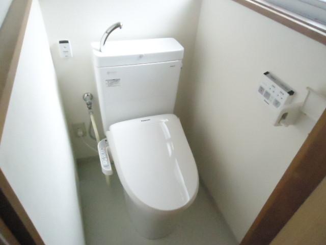 便利な温水洗浄便座できれいさっぱり。