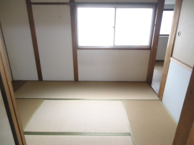 収納付きの和室でお部屋もスッキリです