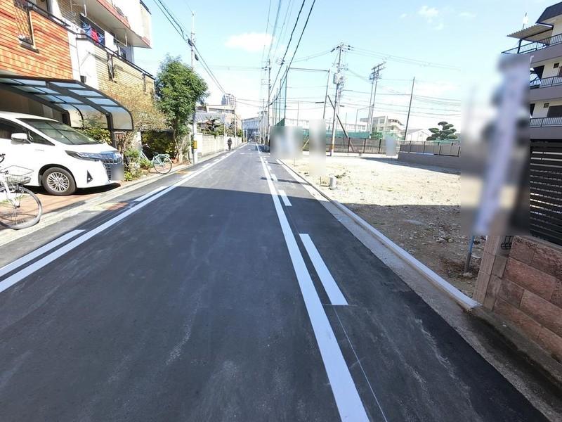 車道と歩道と区分けされています