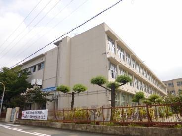 堺市立三国丘中学校 徒歩2分