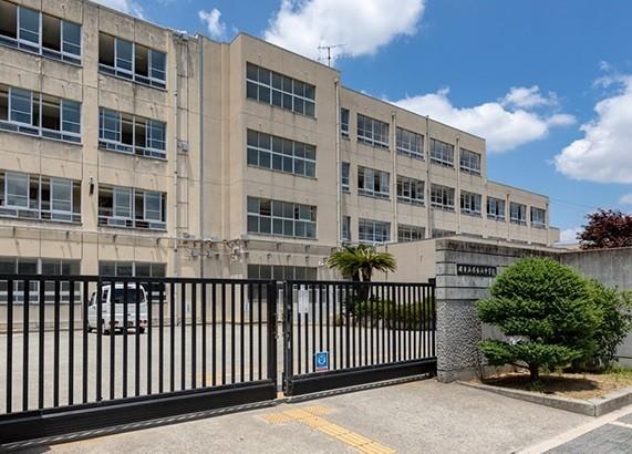 堺市立浅香山中学校 徒歩15分