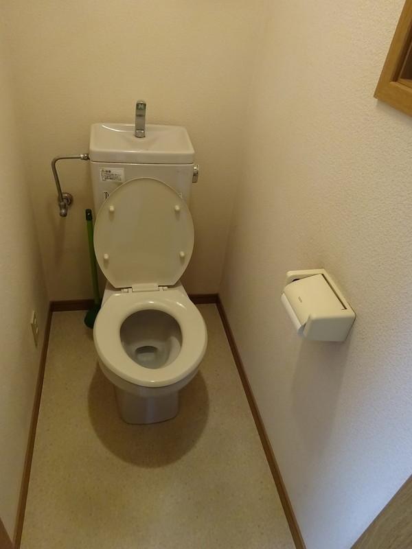 トイレは1階と2階の2ヶ所にございます