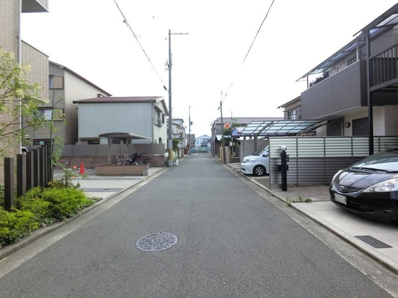 前面道路■交通量が少ない環境なので、お子様とお散歩が気軽にできる静かな環境
