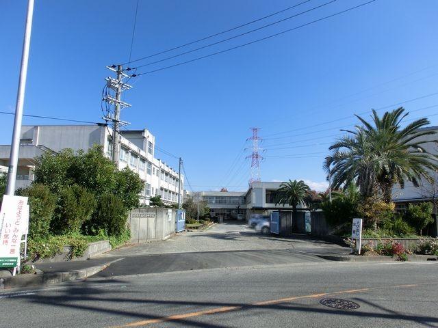 堺市立庭代台中学校 徒歩15分