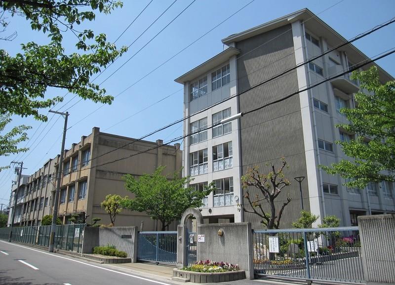 堺市立月州中学校まで2130m 徒歩27分