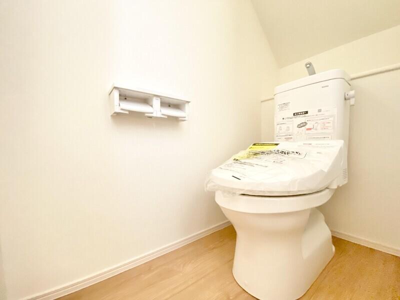 【トイレ】各階にトイレを完備しています♪