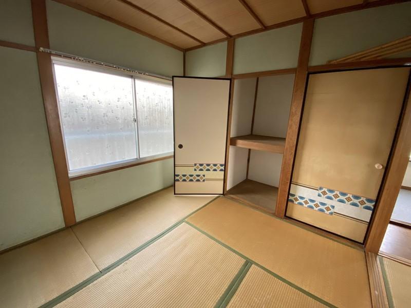 【2階和室2】◆4.5帖 ◆間の襖を開放して2室を1室にできます