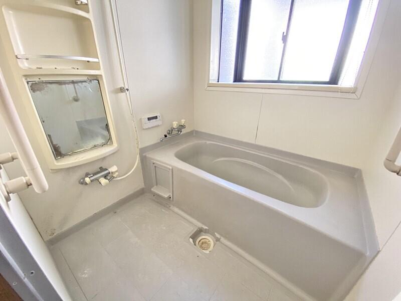 【洗面化粧台】白を基調とした洗面スペースです♪いつでも内覧可能です♪お気軽にお問合せください♪