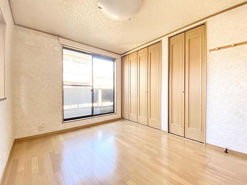 【現地外観写真】◎土地 約31.01坪 ◎2Fの洋室10.7帖は間仕切りで2室になります ◎平成30年5月完成の築浅物件です♪